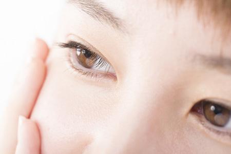眼窩脂肪ヘルニアの改善法イメージ画像