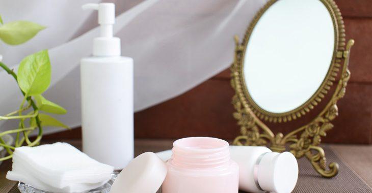 ほうれい線を消す化粧品の画像