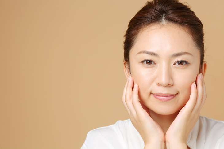顔のたるみをとる方法の画像