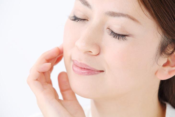 毛穴のたるみが改善した女性の画像