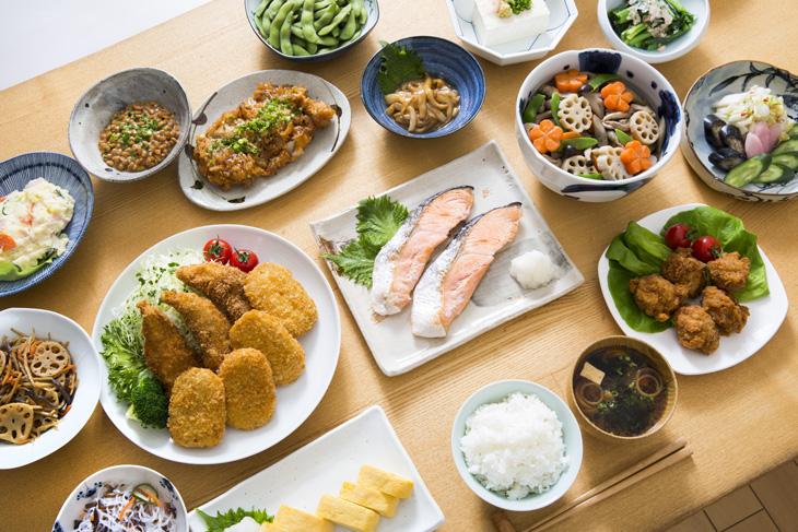 栄養バランスの良い食事のイメージ画像