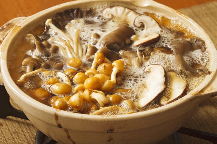 きのこ鍋の画像