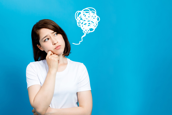 顔のたるみの原因を解消法が分からない女性の画像