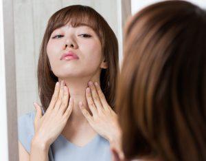 顎が痩せたい女性の画像