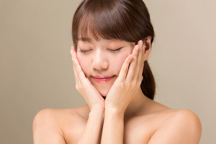 肌荒れが改善した女性の画像